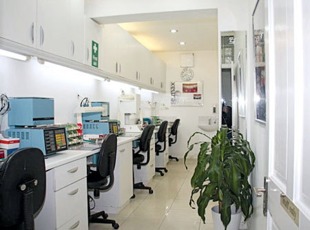 Labtech dental lab